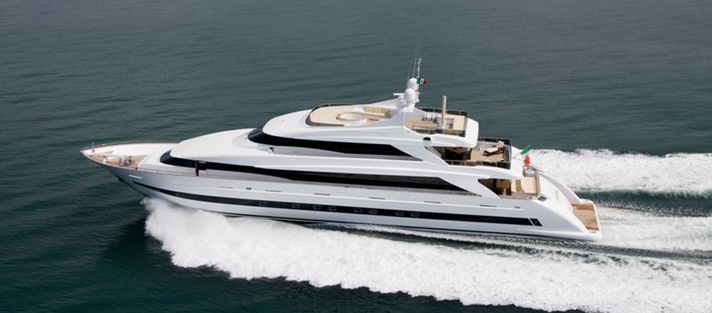 yacht to buy